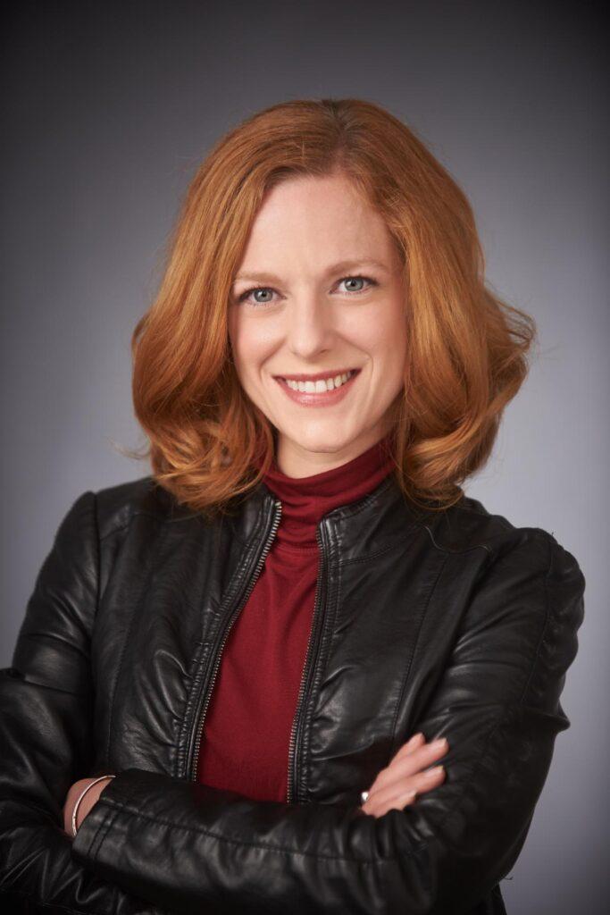 Angela Chalmers headshot